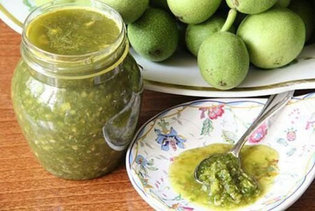 зелени орехчета